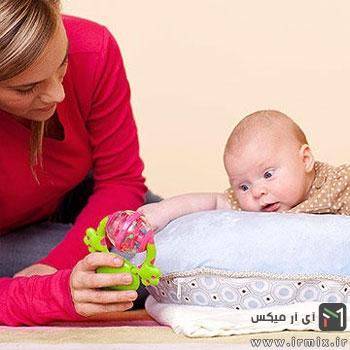 زمان نشستن نوزاد