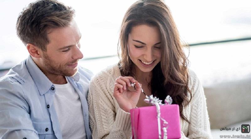 آموزش ۱۳ ایده خلاقانه برای تزیین کادو تولد ، ولنتاین و عروس : از پول تا عطر و کتاب