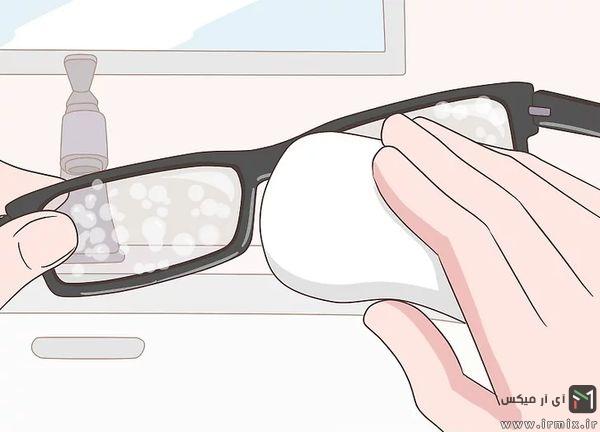 صابون زدن روی شیشه عینک
