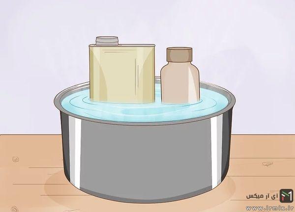 گذاشتن بطری ها در آب