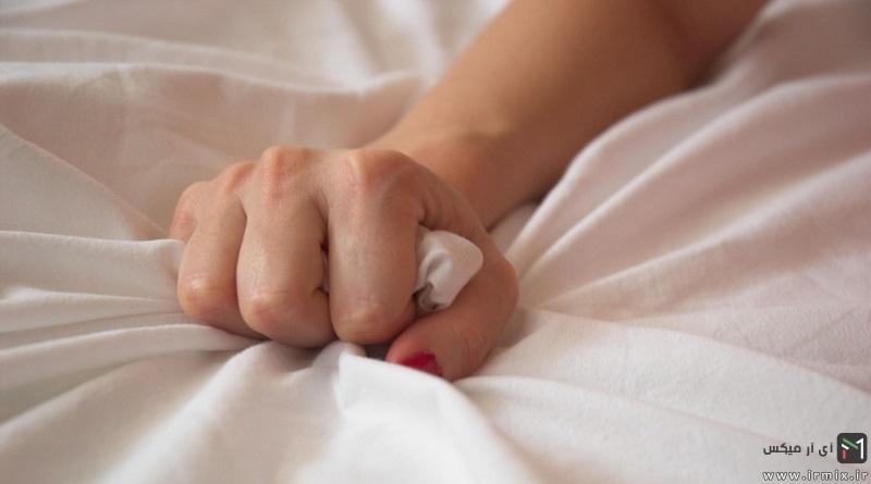 نشانه های انزال در زنان