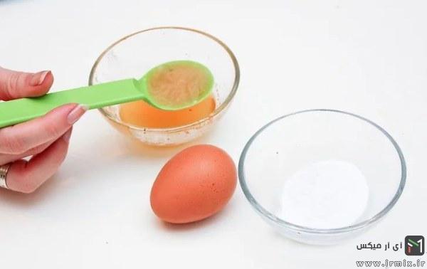 تخم مرغ و آرد