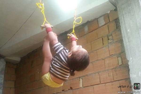 اکربات باز 2 ساله