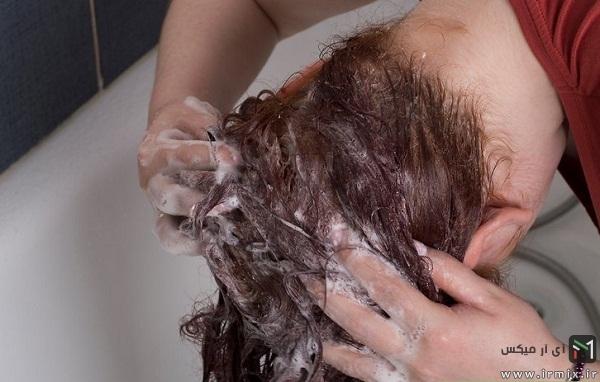 روش صحیح شستن موی بلند