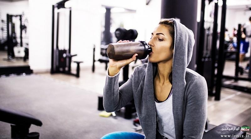 آموزش راه های خوردن پودر پروتئین در روز های غیر تمرین و بعد از ورزش