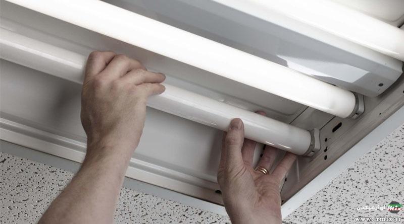 آموزش تصویری نحوه تعویض لامپ مهتابی کم مصرف