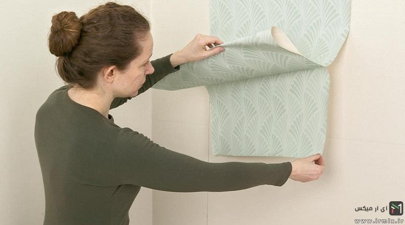آموزش تصویری نحوه نصب انواع کاغد دیواری روی دیوار چوبی و سیمانی