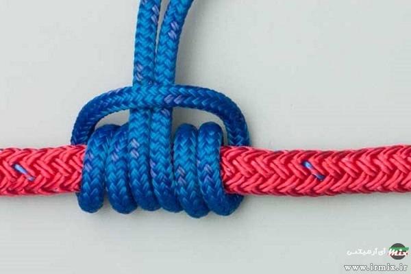 گره زدن طناب دور میله