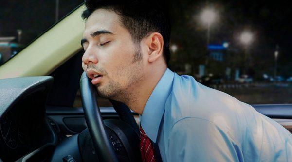 خوابیدن در ماشین