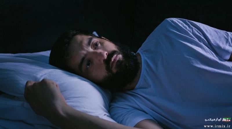 چرا در خواب میلرزیم؟ معرفی و روش های جلوگیری از لرزش بدن در خواب