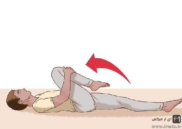 حرکت ورزشی کشش زانو تا قفسه سینه